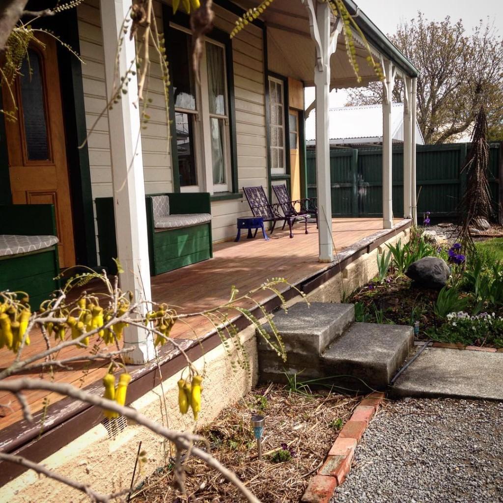 Front from the driveway pinedale frontdoor veranda